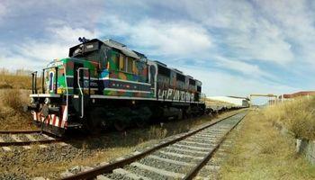 San Luis reactivó el tren a Bahía Blanca y lo estrenó con exportación de alfalfa