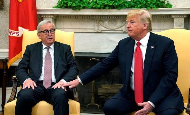 El presidente de la Comisión Europea, Jean-Claude Juncker, con el presidente estadounidense, Donald Trump.
