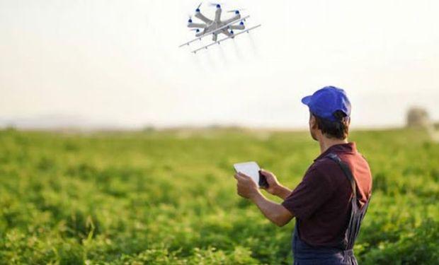 La incorporación de AgTech en la producción agrícola abarca desde sistemas de gestión hasta desarrollos de robótica, y es aplicable a todas las escalas, incluso en la agricultura familiar.