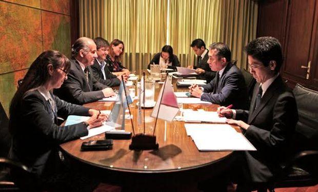 Reunión entre el presidente del Senasa, Jorge Dillon, y el embajador japonés en nuestro país, Noriteru Fukushima.