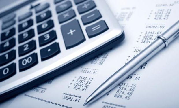 El gobierno reconoce pérdida de competitividad sectorial por alta presión fiscal.