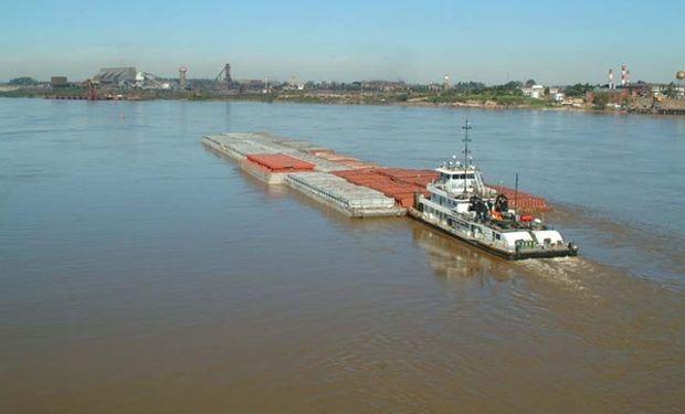 La HPP es una de las vías navegables naturales de mayor longitud del planeta: 3442 km desde Puerto Cáceres (Brasil) a Nueva Palmira (Uruguay).