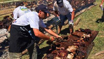 Uruguay realizó el asado con cuero más grande el mundo