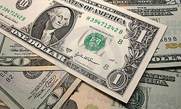 El dólar oficial sube medio centavo a $ 5,745