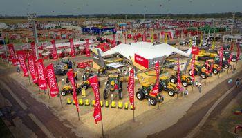 Valtra le agrega tecnología y confort a sus tractores reconocidos por la rusticidad