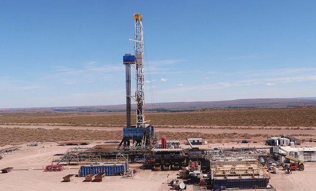 Mientras se derrumba el precio del petróleo buscan congelar las naftas hasta 2021