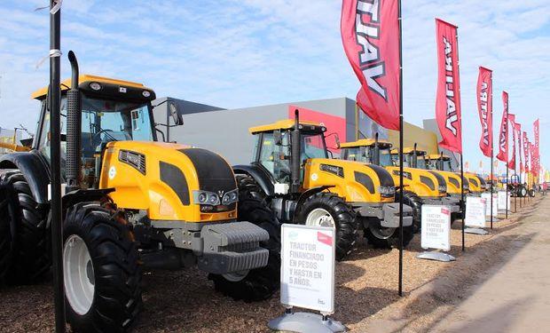 Los tractores de producción nacional fueron la vedette del stand de Valtra. Fuente: Nueva Comunicación.