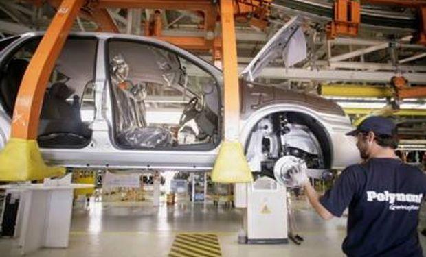 La industria automotriz retrocedió un 12% en los primeros cinco meses de este año