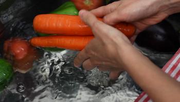 Alimentos: los hábitos de higiene que llegaron para quedarse