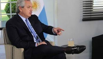Fernández apuntó a las exportaciones y señaló que hay que  tener un dólar competitivo