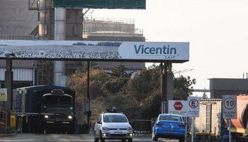 Vicentin: el nuevo directorio dialoga con grandes acreedores, mientras que productores marchan contra la pesificación de la deuda