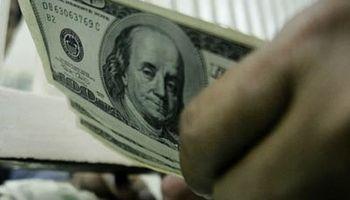El dólar blue se desplomó 55 centavos en la semana