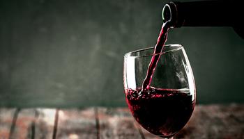 """""""Los argentinos consumen 24 litros de vino por año"""""""