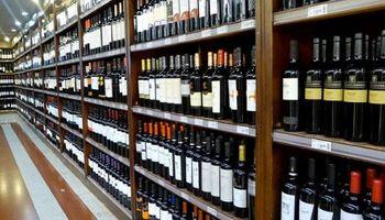 Consumo de vino cayó 15% en julio y acumula una baja de 10% en el año