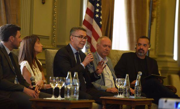 La actividad estuvo organizada en cuatro paneles, donde miembros de la delegación de Saint Louis y referentes locales analizaron las posibilidades que se abren a partir del hermanamiento.
