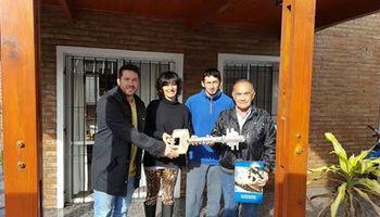 AgroActiva entregó la vivienda de Don Palacios sorteada en la muestra