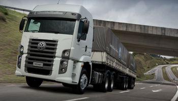 VW Camiones y Buses festeja el Mes del Amigo, dándole el mejor regalo en su día