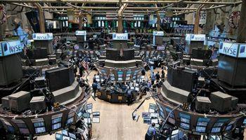 Wall Street cerró 2013 con nuevos récords: entre el 26 y el 36% en sus principales indicadores