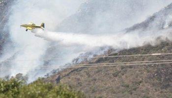 Córdoba combate 4 focos de incendios y las condiciones climáticas podrían agravarlos