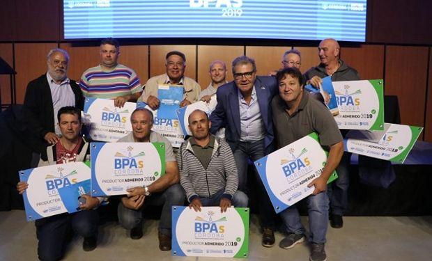 El ministro de Agricultura y Ganadería, Sergio Busso hizo la entrega.