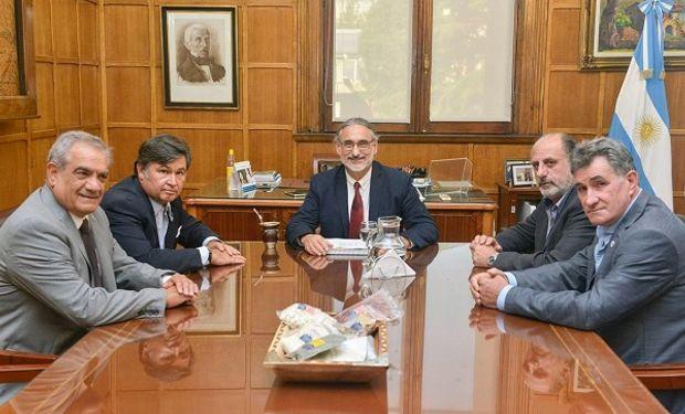 La Mesa de Enlace junto al ministro Basterra.