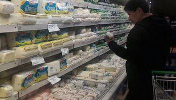 Lácteos: la cuarentena cambió los patrones de consumo y la demanda de mayoristas cae un 20 %