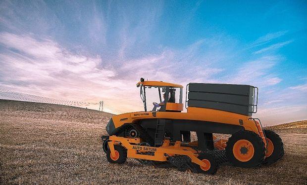 Un argentino presentó AutoSatum: una sembradora autopropulsada, ágil, eléctrica y competitiva