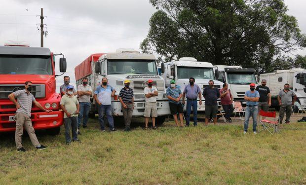 El paro de transportistas ya impacta en el ingreso de camiones a los puertos