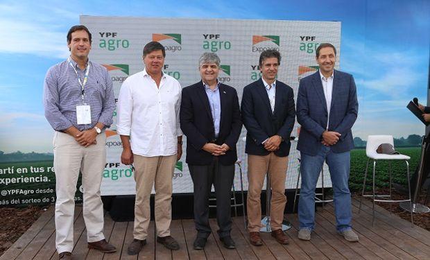 Autoridades de Exponenciar S.A. y de YPF sellaron un acuerdo de alianza estratégica por tres años.