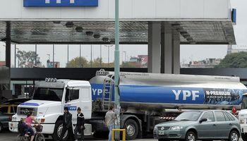 YPF bajó el precio de los combustibles hasta un 3,2%