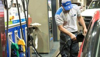 Buscan subas progresivas de los combustibles por hasta 15% en 3 meses