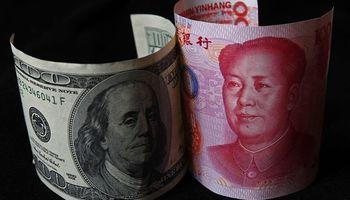 China devalúa el yuan por tercer día consecutivo